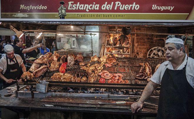 Мясная лавка на рынке Меркадо-дель-Пуэрто