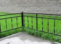 metalowe ogrodzenie trawnika 2