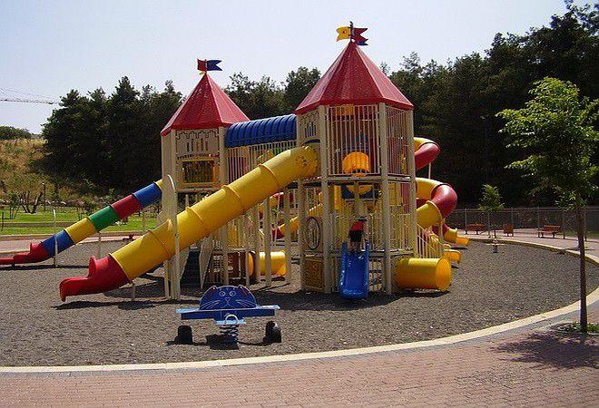 Детская площадка в парке Рабина