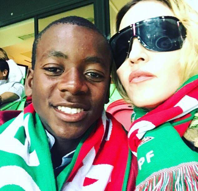 Мадонна с сыном Дэвидом Банда