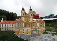 Бенедиктинский монастырь в Мельке