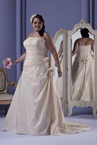 Modele sukien ślubnych 10