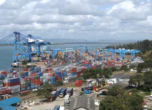 Порт в Момбасе - самый крупный во всей восточной Африке