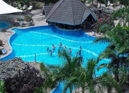 Diani Reef Beach Resort - лучший отель