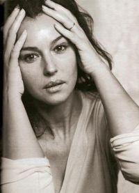 Monica Bellucci bez makijażu 8