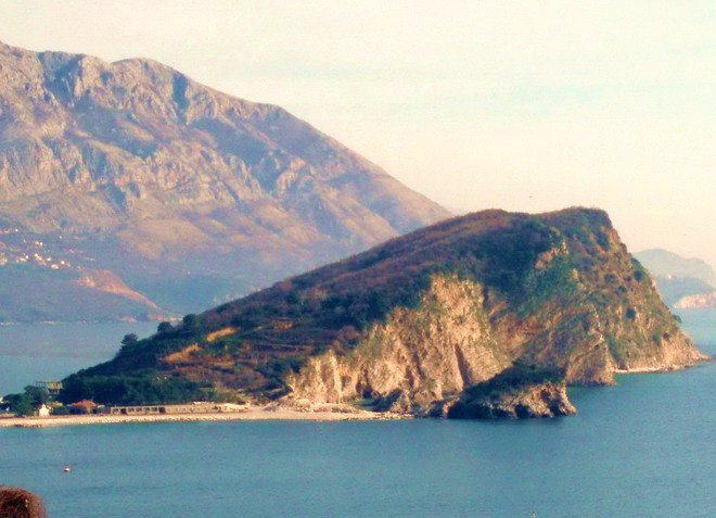 Остров Святого Николая в Черногории