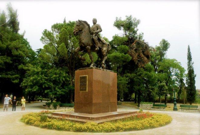 Памятник королю Николе