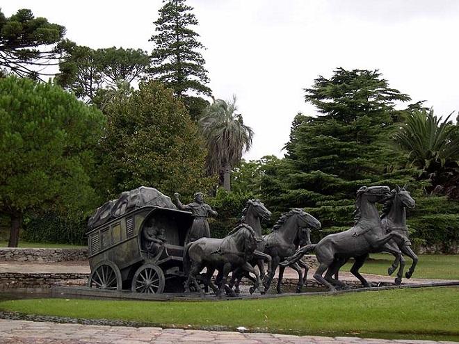 Памятник переселенцам