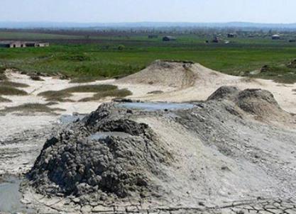 Tamanowe wulkany błotne zdjęcie 2