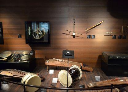 Экспонаты музея музыкальных инструментов в Брюсселе
