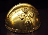 Музей Америки. Золотой шлем