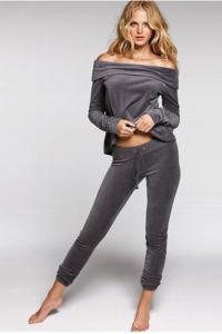 Spodnie dresowe Slim Fit 4