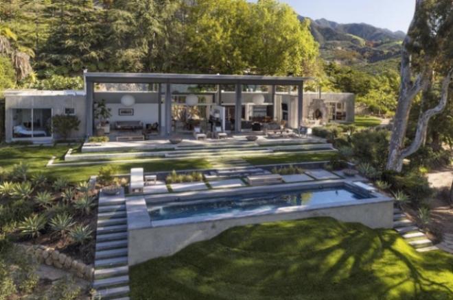 Портман купила дом в Санта-Барбаре
