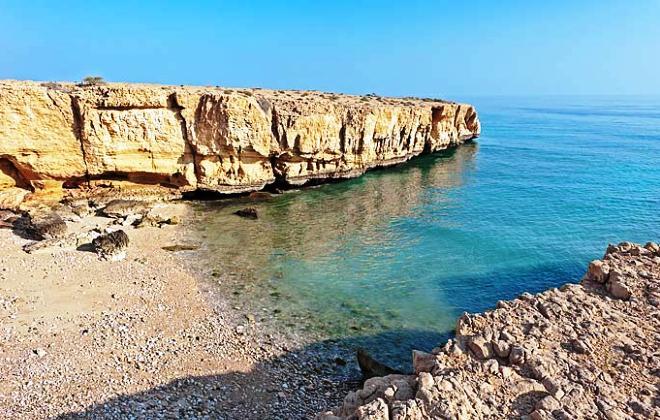 Пляж около вади Шааб