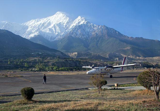 Аэропорт Джомсом в Непале