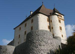 Замок-музей Valangin