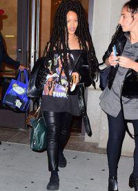 Рианна с дредами до поясницы в Нью-Йорке