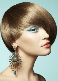 Novogodišnje frizure za kratke 3