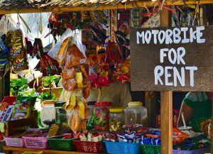 Мотоцикл можно взять в аренду на рынке