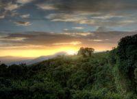 Закат в Нгоронгоро