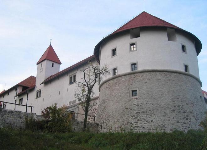 Замок Ауэрспергов