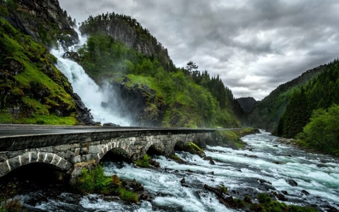 Одда - водопад Лотефоссен