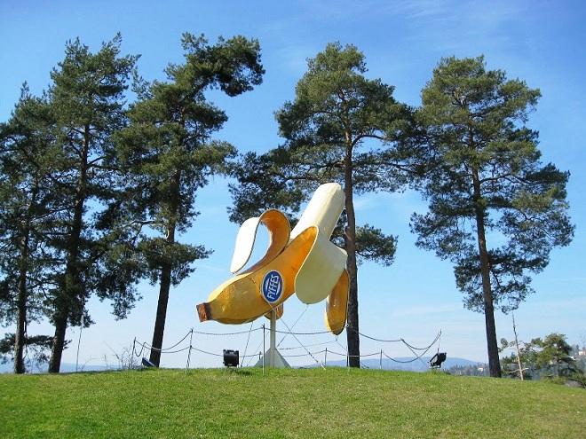 Памятник банану
