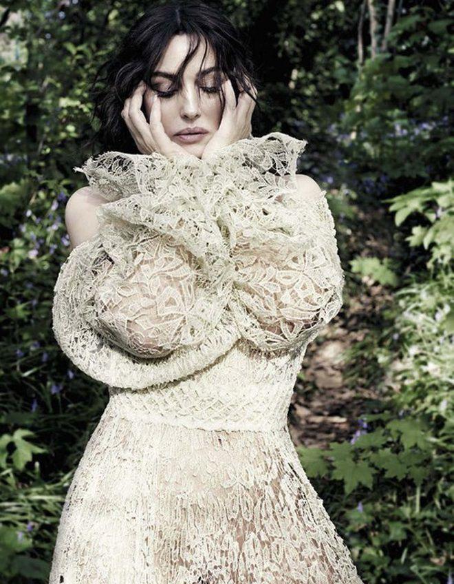 Моника Беллуччи не боится откровенных образов
