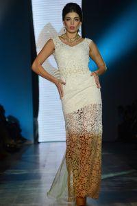 Oksana Mucha večernje haljine 1