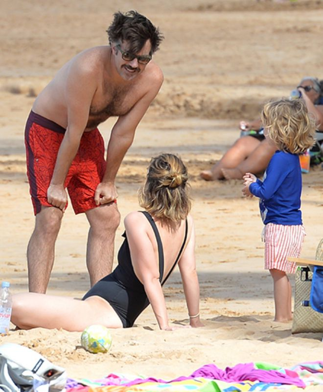 Оливия Уайлд и Джейсон Судейкис с детьми