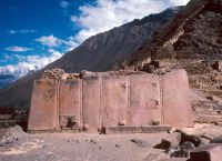 Монолитная стена храма Солнца