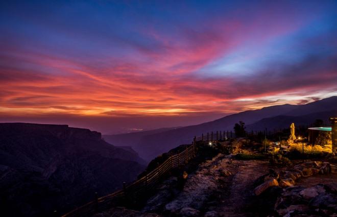 Закат в горах Омана