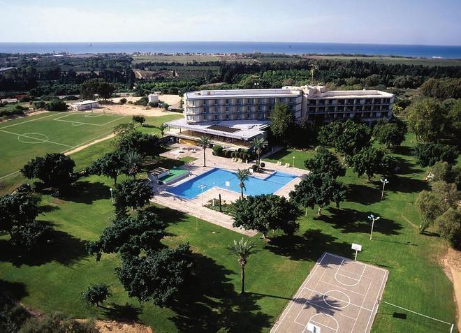 Отель Dan Caesarea