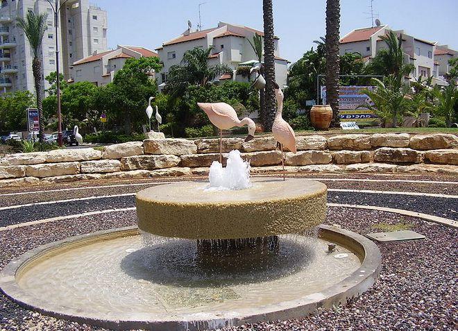 Ор-Йехуда - небольшой живописный городок