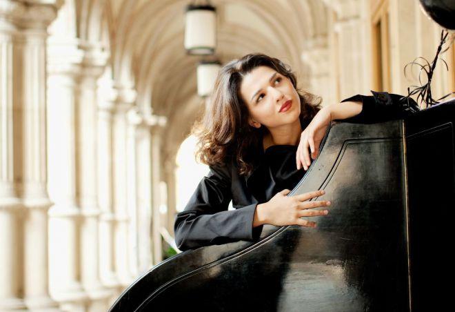 Грузинская пианистка Хатия Буниатишвили