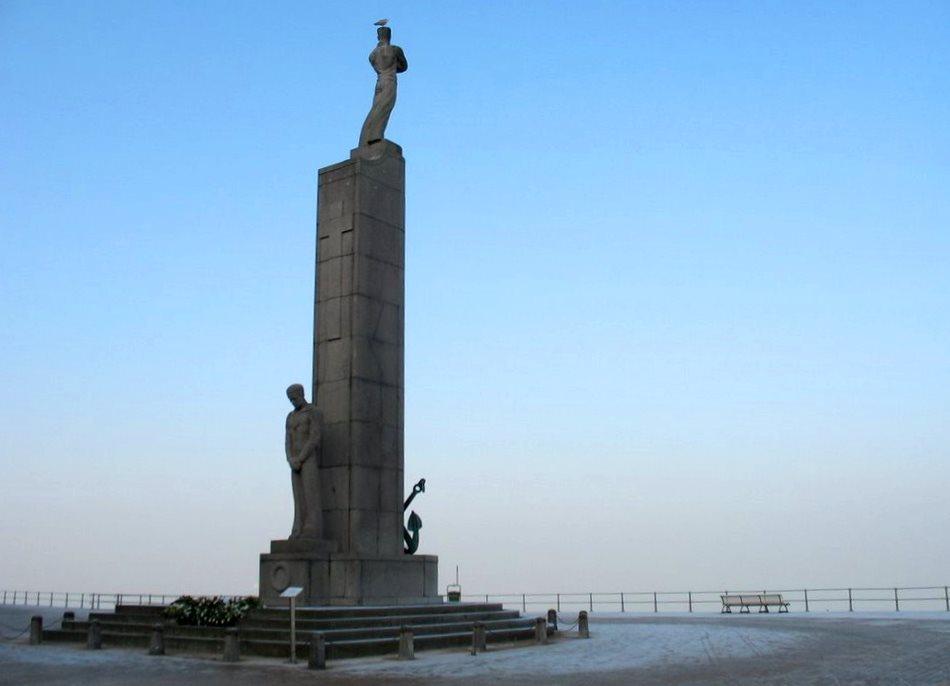 Памятник пропавшим рыбакам
