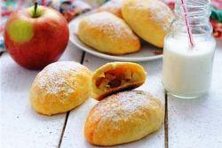 месинг и ябълкови пайове на кефир