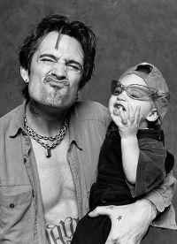 Томми Ли с маленьким сыном Брэндоном