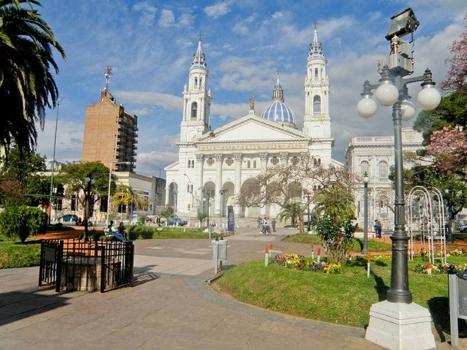 Главная городская площадь 1 мая