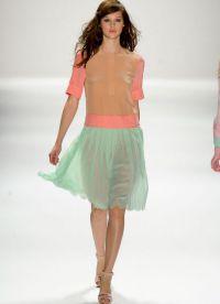 pastelowe kolory w ubraniach 10