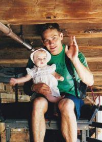 Пол Уокер и маленькая  Мэдоу