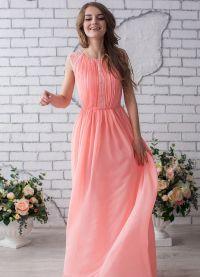 sukienka brzoskwiniowa na podłogę 5