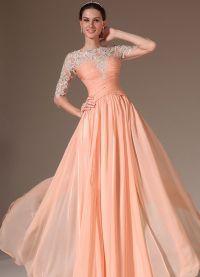 sukienka brzoskwiniowa w podłodze 8