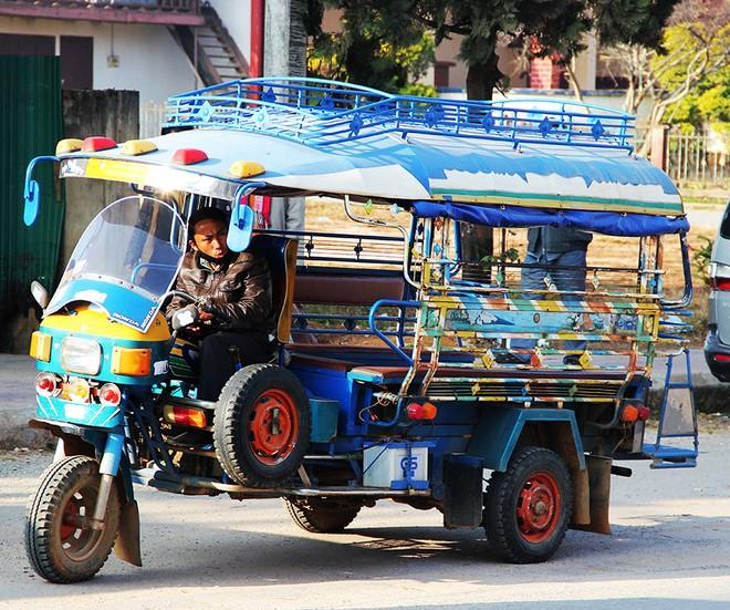Местные таксисты