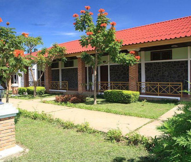 Отель Vansana Plain Of Jars
