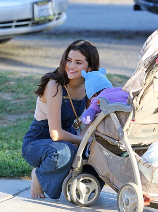Селена Гомес с ребенком