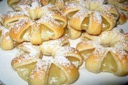 pierścienie ananasa w cieście francuskim