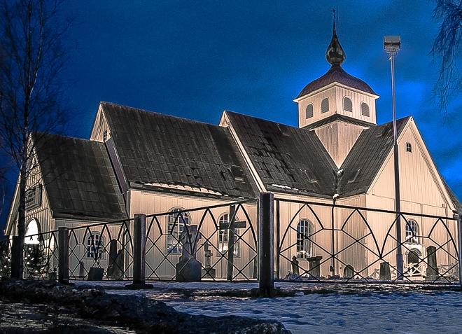 Старинная церковь из дерева