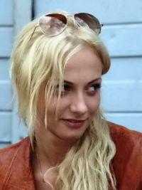 Polina Maximová bez makeupu 11