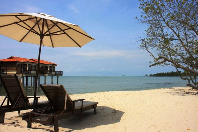 Пляж Танджунг Туан